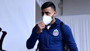 Alexis Vega en un juego de Chivas.