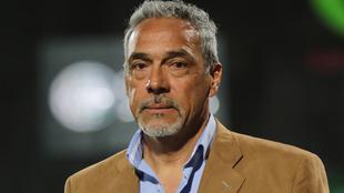 Martín Pérez llegó en el 2020 al banquillo de Santos Femenil |