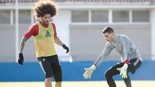Aridane Hernández se retiró con molestias del entrenamiento del...