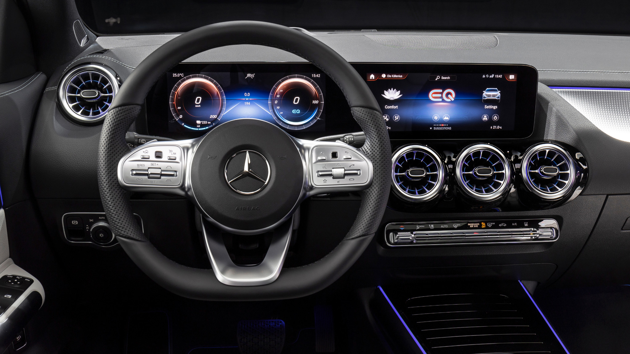 El visualizador de medios tiene la estructura de paneles típica de Mercedes-EQ.