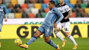 Muriel marca ante el Udinese.