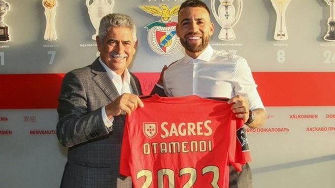 Otamendi, en su presentación con el Benfica.