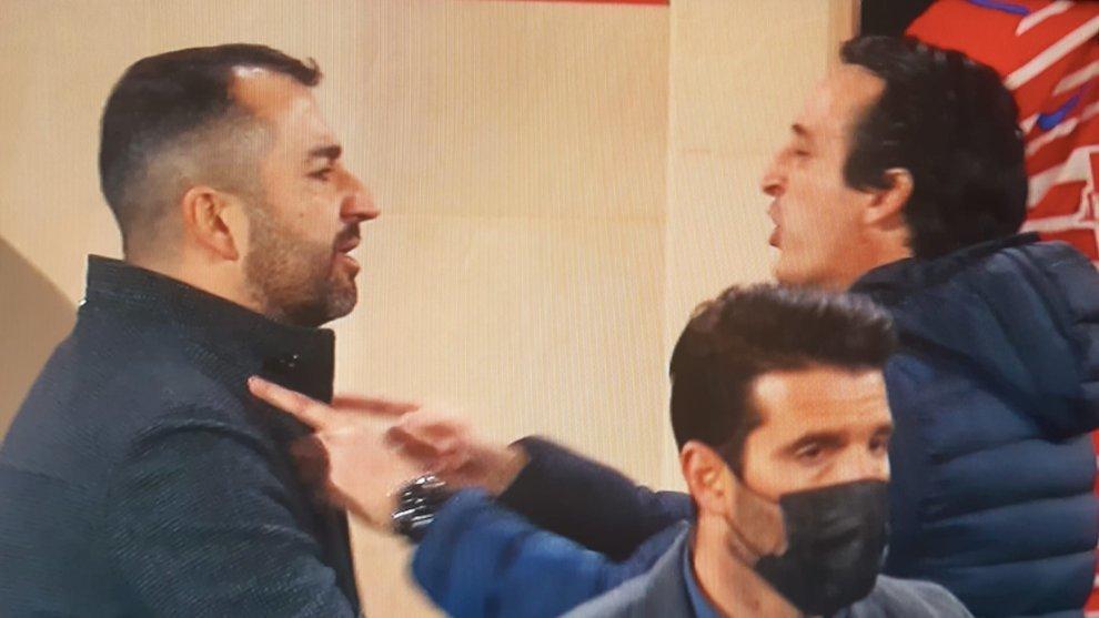 Momento en el que Emery señala a Diego Martínez tras acabar el...