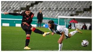 Willian José anota el 0-2 de la Real Sociedad contra el Córdoba en...