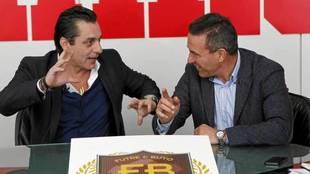 Paulo Futre y Paco Buyo, en una visita a la redacción de MARCA.