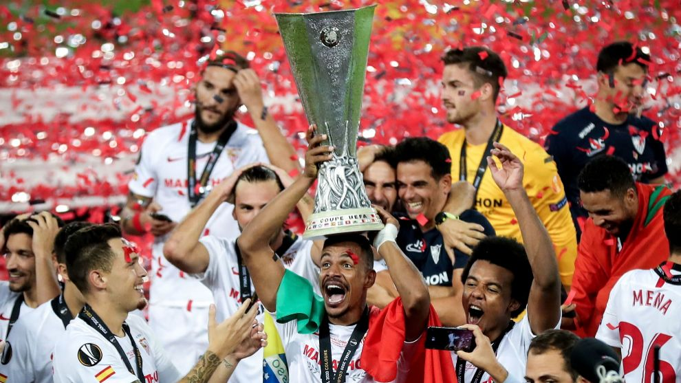 Fernando (33) levanta la sexta Europa League para el Sevilla...