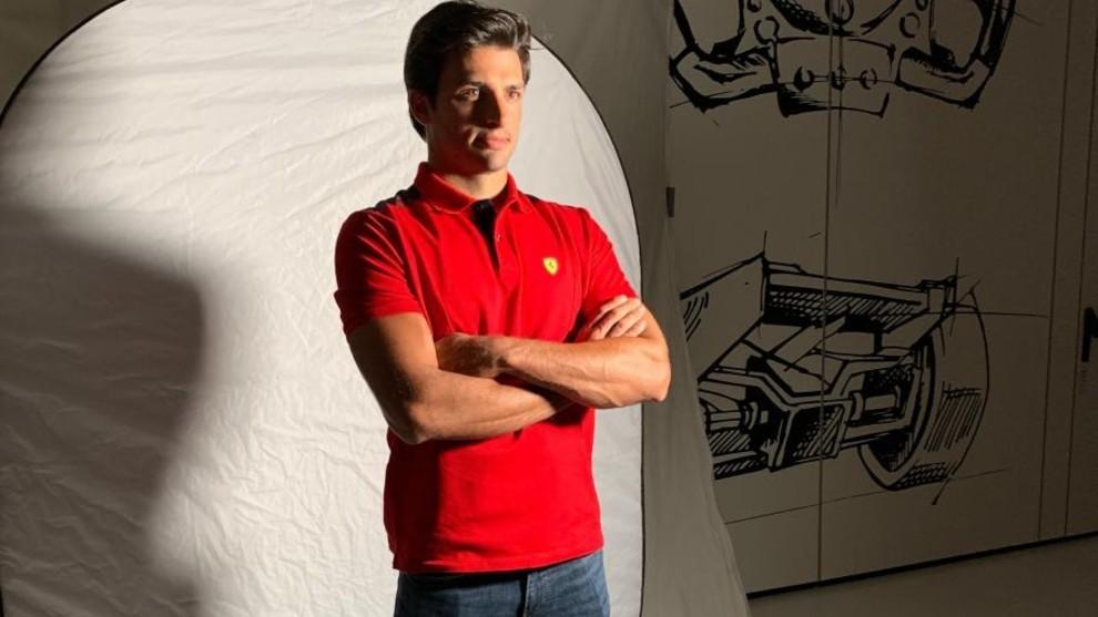 Carlos Sainz, en una sesión fotográfica con su nuevo equipo en...