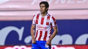 Macías regresa con las Chivas en San Luis.