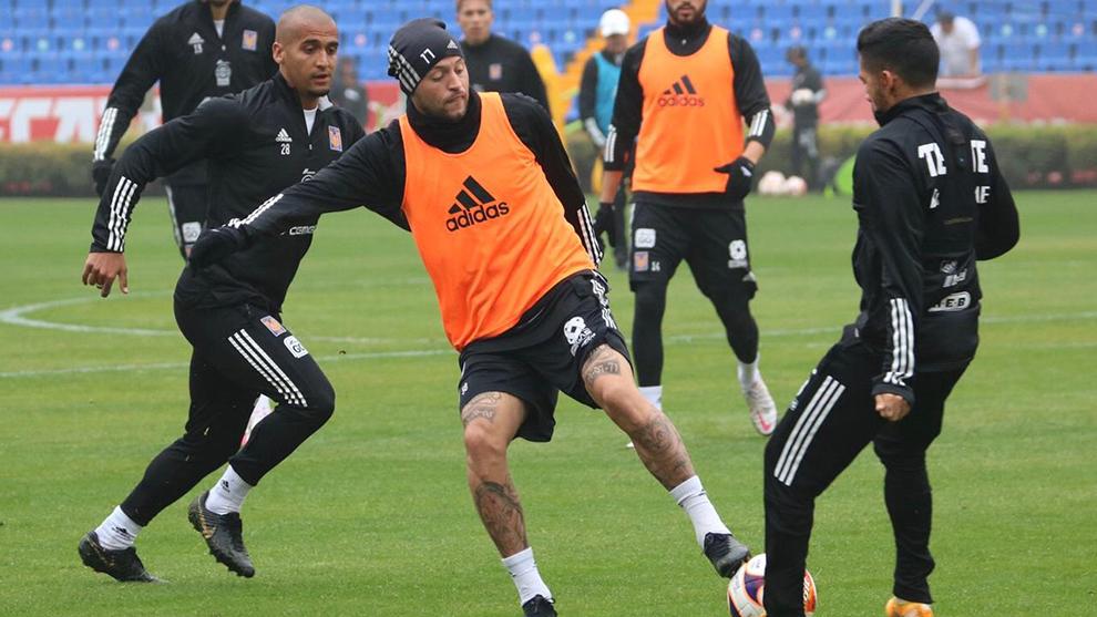 El futbolista felino es positivo por Covid-19.