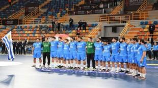 La selección uruguaya, en los prolegómenos de un partido del...