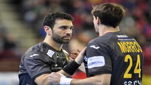 Iosu Goñi, de frente, en un partido de la selección española /