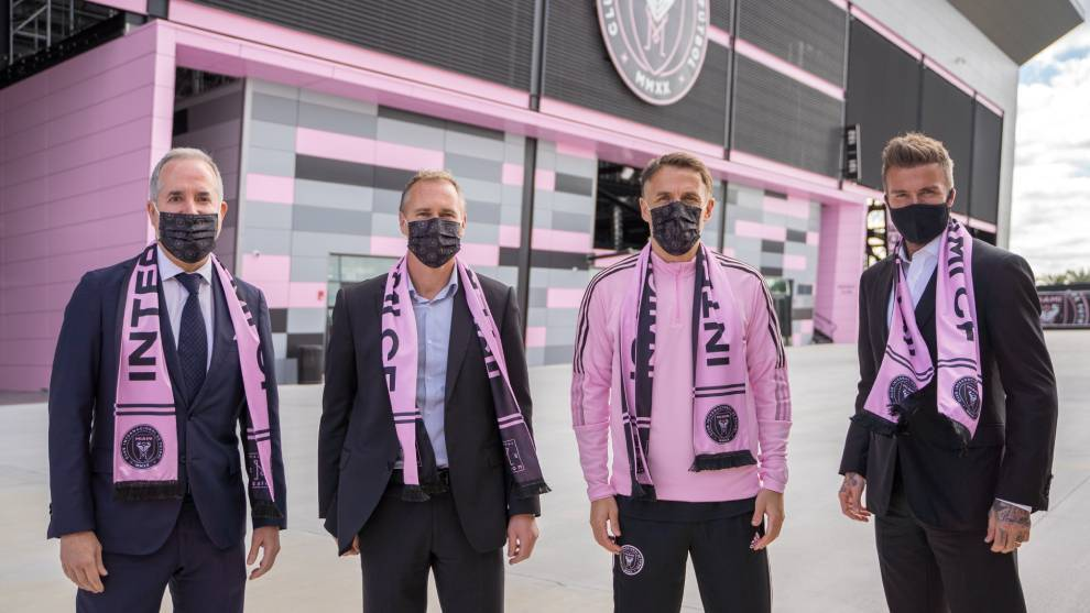 Phil Neville arrives at Inter Miami