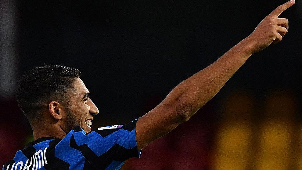 Achraf en un partido con el Inter