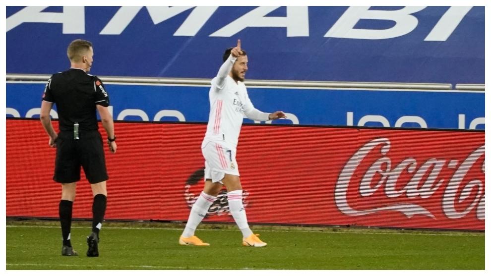 Hazard, justo después de hacer el 0-3 en Vitoria.