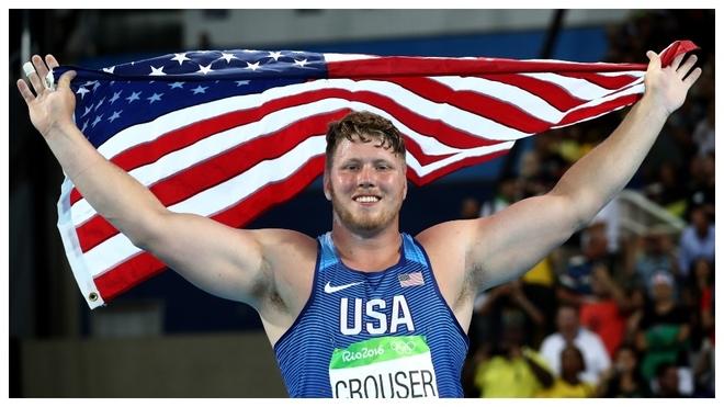 ¡Crouser lanza 22,82 y bate el récord del mundo de peso 'indoor' que tenía 32 años!