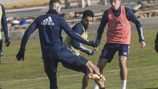 Raí se ejercita con el Real Zaragoza en un entrenamiento.