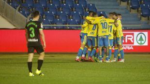 Los futbolistas de la UD celebran uno de los dos goles al Leganés