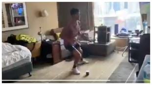 Alcaraz realiza ejercicios de coordinación