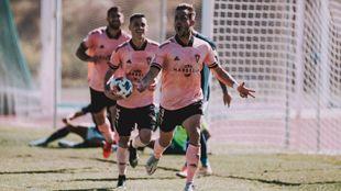 Rafa Chumbi consigue su primer gol con el Marbella.