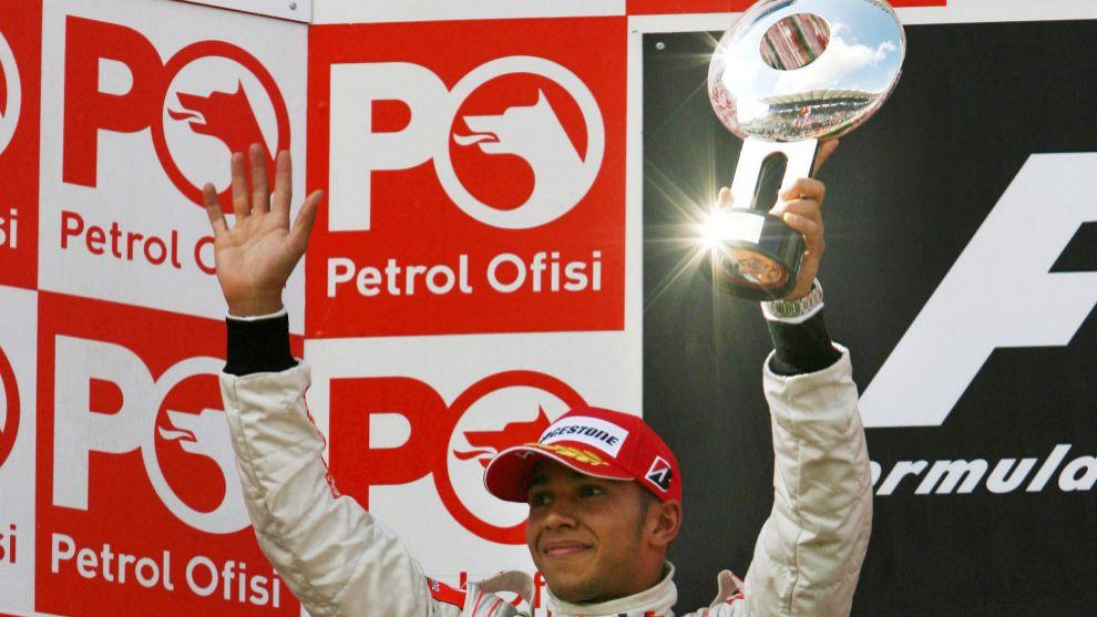 Lewis Hamilton, tras ganar un Gran Premio con McLaren en 2008.