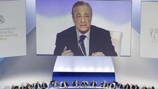 Floentino Pérez durante su discurso en una asamblea del Real Madrd.