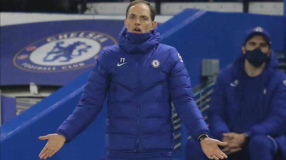 Tuchel protesta una acción durante el Chelsea-Wolves.