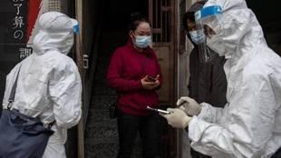 Comienzan a realizar en China test anales para detectar los contagios...