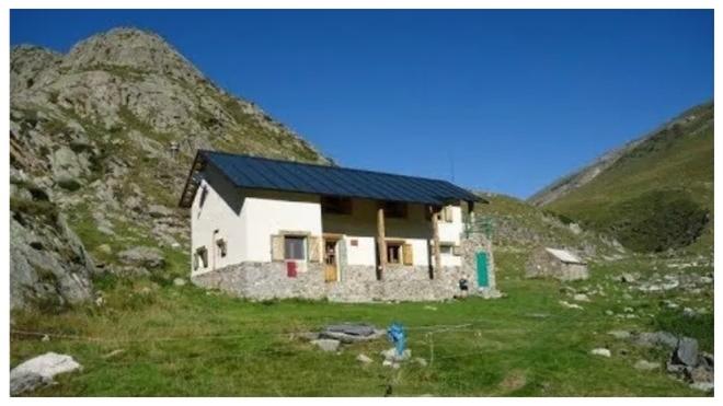 Multa de 2.600 euros a dos montañeros rescatados en el Pirineo en el confinamiento
