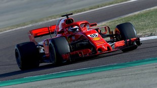 Carlos Sainz, durante los entrenamientos de hoy en Maranello.