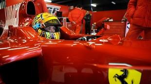 Rossi, durante su test con Ferrari en Cheste en 2006.
