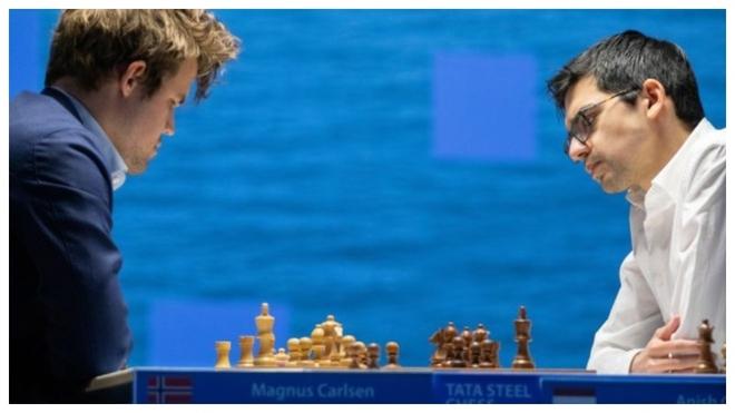 Giri para los embates de Carlsen y las tablas dejan al noruego sin el primer premio