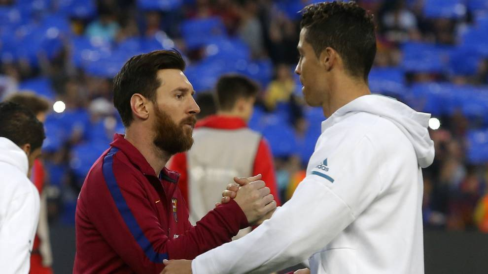 Who is better: Messi or Cristiano Ronaldo? Carragher joins the debate