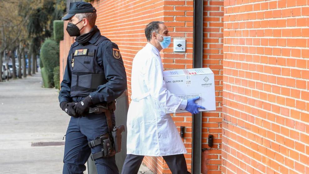España recibe el cargamento de las 52.000 vacunas de Moderna
