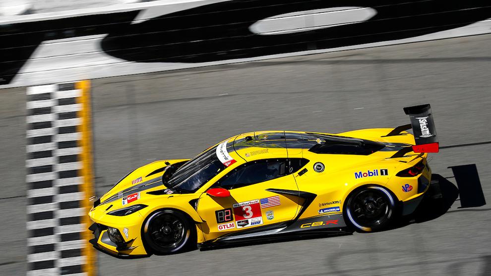 Antonio García gana las 24 Horas de Daytona en el nombre de Adrián Campos