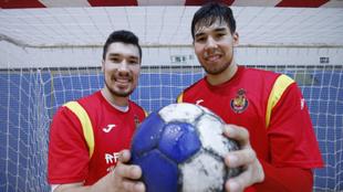 Alex y Dani Dujshebaev, durante un entrenamiento con la selección...