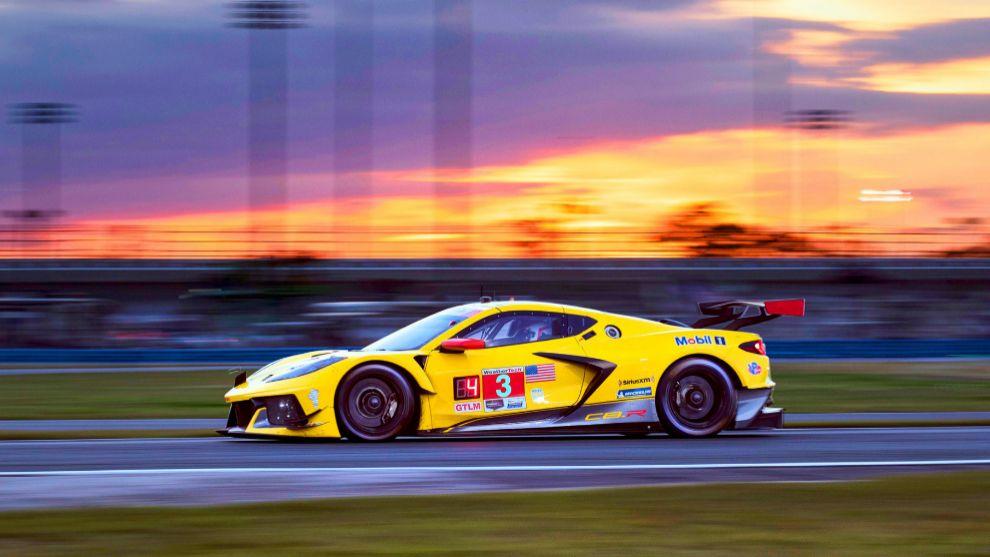 El Corvette #3 al atardecer.