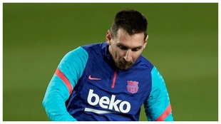 Messi, en el calentamiento frente al Athletic.