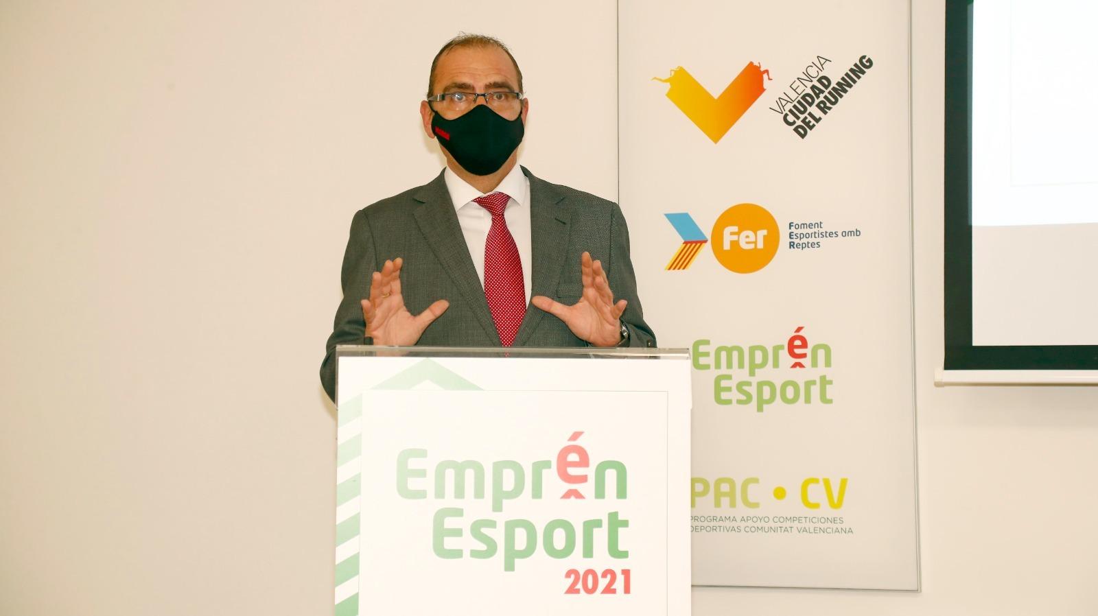 El director de MARCA, Juan Ignacio Gallardo, durante el acto de entrega de premios.