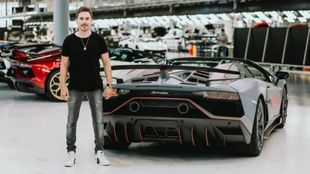 Lorenzo y su Lamborghini Aventador SVJ63 Roadster.