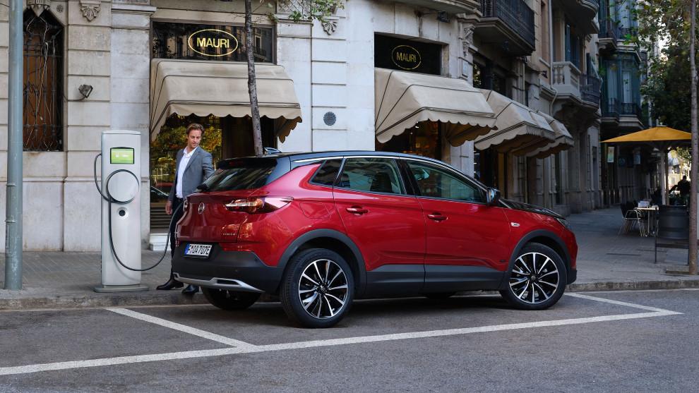El Opel Grandland X Hybrid también se puede probar sin moverse de casa.