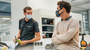Lando Norris, en la fábrica de McLaren en Woking.