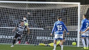 Rubén Castro celebra el gol que marcó al Oviedo