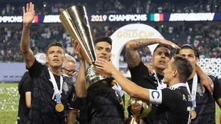 La Copa Oro contaría con aficionados en las gradas.