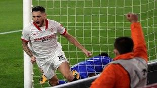 Lucas Ocampos (26) celebra su gol ante el Getafe, pero fue anulado.