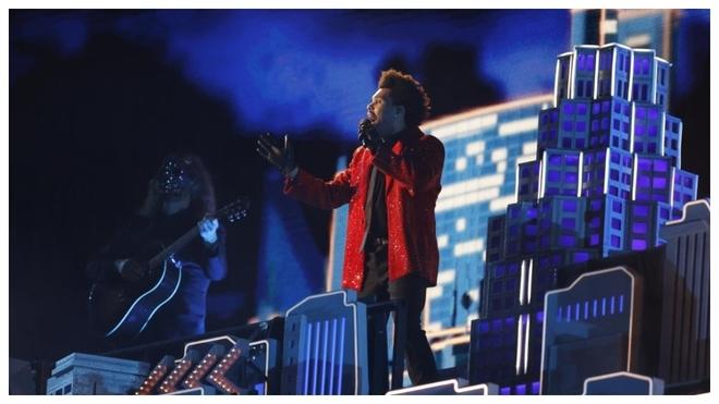 The Weeknd durante su actuaci