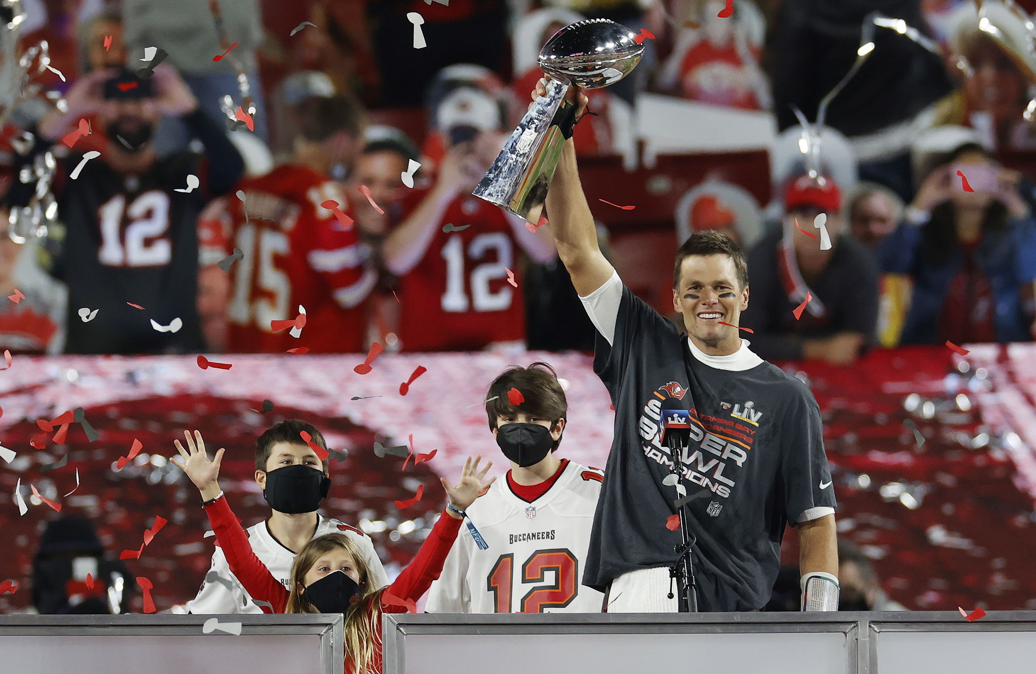 Buccaneers rough up Chiefs as Brady wins seventh Super Bowl