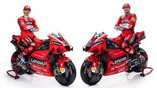Pecco Bagnaia y Jack Miller, con las Ducati GP21.