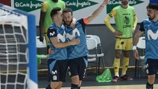Dani Saldise y Pola celebran uno de los goles.