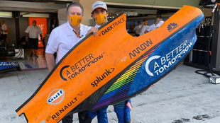 Zak Brown y Carlos Sainz.