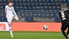 Luka Jovic, en un remate con el Eintracht esta temporada.
